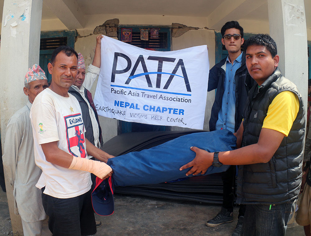 The team of Explore Himalaya  & PATA Nepal Chapter goes to the quake affected areas with relief materials