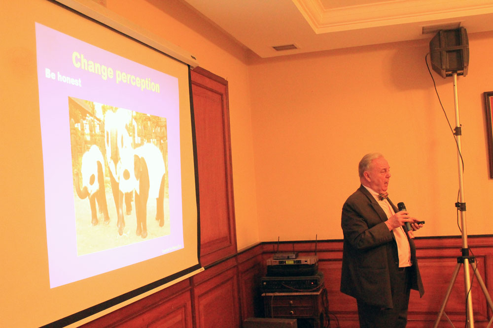 Mr. Bert Van Walbeek,  Crisis Management and Recovery Expert on a slideshow presentation
